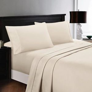 ⭐️SALE⭐️Full 4pc French Vanilla Bedsheets